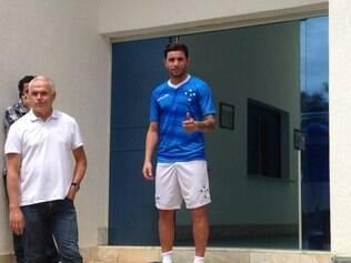 Mena é o sétimo reforço do Cruzeiro para a temporada 2015