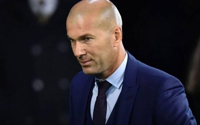 Federação descarta Zidane na seleção francesa