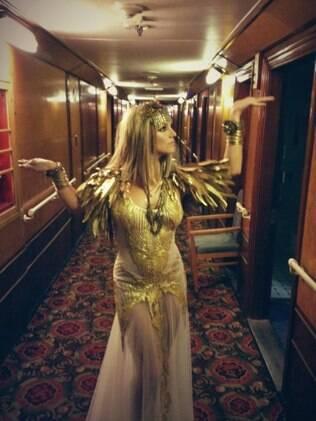 Britney Spears vestida de Cleópatra para divulgar seu novo perfume