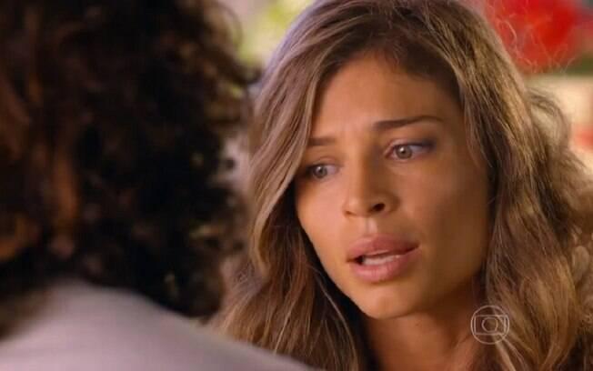 Ester diz a Alberto que ainda ama Cassiano, em