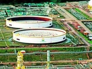 Refinaria da Petrobras fica em Ipojuca, perto de Recife (PE)