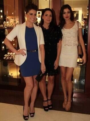 Giovanna Antonelli, Juliana Knust e Sophie Charlotte: mesmo visual para evento em São Paulo