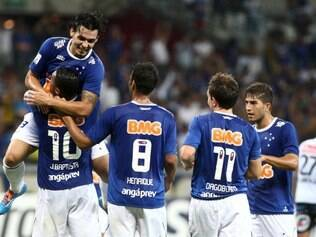 Jogadores comemoraram muito o placar favorável ao Cruzeiro