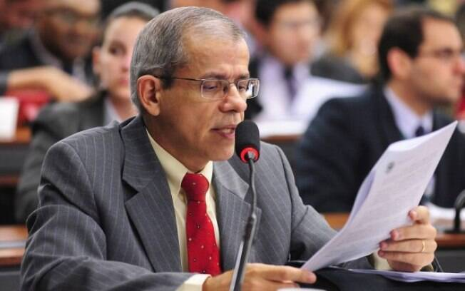 Nazareno Fonteles se notabilizou por pautas polêmicas e também ficou no mesmo gabinete usado pro Lula