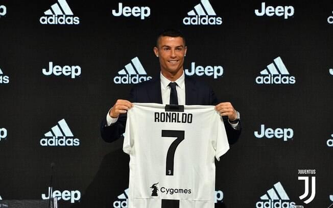 Cristiano Ronaldo em sua apresentação oficial como jogador da Juventus