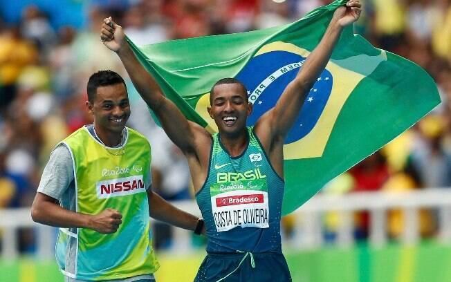 Resultado de imagem para fotos de Ricardo Costa de Oliveira na paralimpica do salto