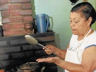 Com 75 anos, a Mestra Elzira foi a grande homenageada no tradicional evento gastronômico Igarapé Bem Temperado 2014.