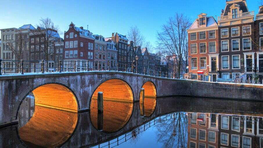 Esqueça moinhos de vento e tulipas: no inverno, Amsterdã é a cidade da patinação no gelo - e você não vai se adorar