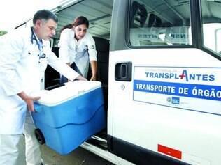 Considerações. Órgão sendo transplantado em BH: apenas ontem, três órgãos foram doados em Minas