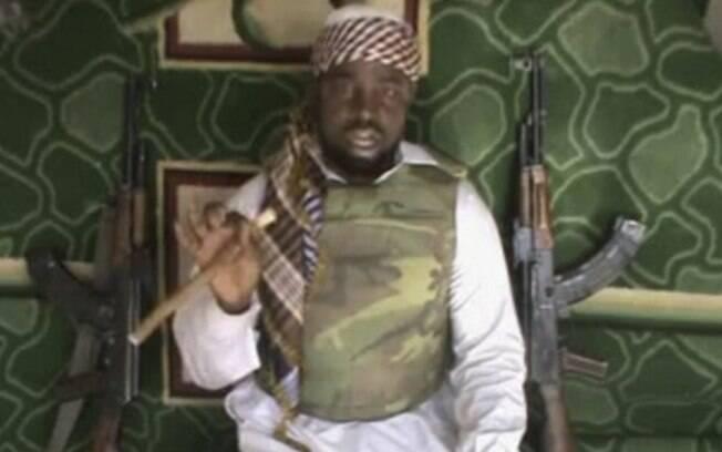 Imagem tirada de um vídeo mostra suposto líder da seita radical islâmica da Nigéria Boko Haram, Imam Abubakar Shekau (15/04)