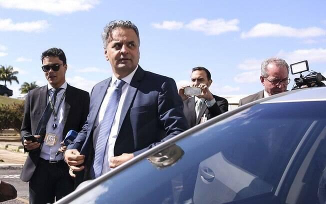 Decisão que autorizou o retorno de Aécio Neves ao Senado foi tomada pelo ministro Marco Aurélio, do STF