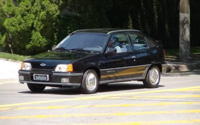 Chevrolet Kadett GS: raro exemplar do esportivo nacional foi restaurado com as características originais de 1989