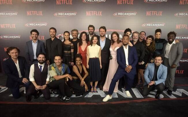 O elenco na premiere da série realizada há duas semanas no Rio de Janeiro
