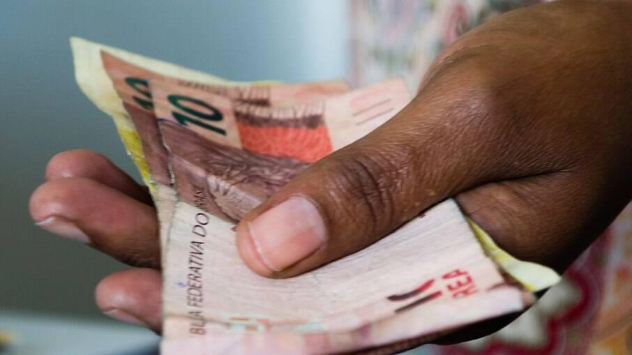 Desigualdade racial no Brasil pouco evolui em relação à salários