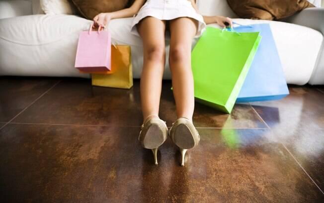Quatro entre dez mulheres escondem valor das compras. Entre os homens, índice é de 29% -- em compras com dispositivos eletrônicos