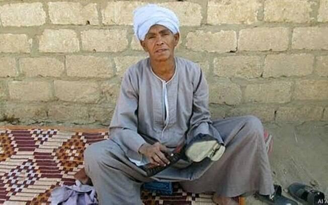 Egípcia diz que vai continuar se vestindo de homem pelo resto da vida porque já se acostumou