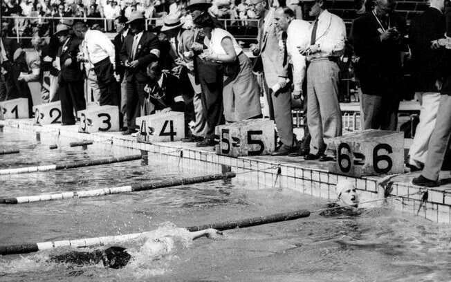 Competição de natação nas Olimpíadas finlandesas. E o frio?