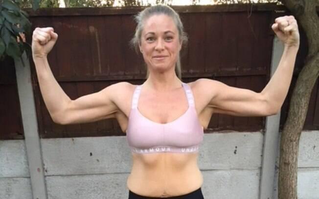 Jeanette Roberts conversou com o personal trainer e mudou os hábitos alimentares para perder peso de forma saudável