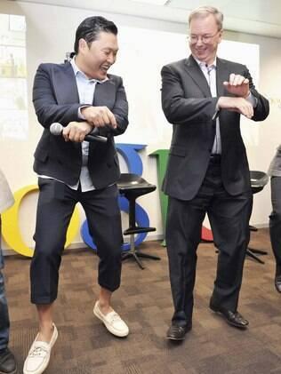 Schmidt e Psy: momento de descontração na Coreia do Sul