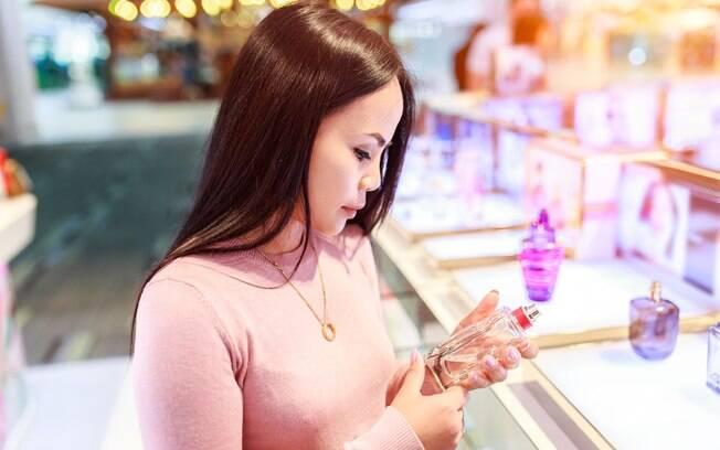 Perfume é um presente bastante pessoal, por isso, saiba em qual momento da vida sua mãe está antes de presenteá-la