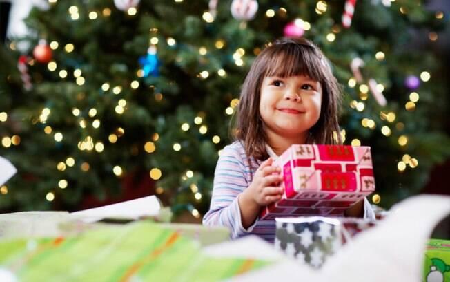 Presente de Natal: 35% dos pais afirmam que a decisão é feita em conjunto entre os filhos e eles e 14% dizem que a criança decide sozinha o que irá ganhar na data