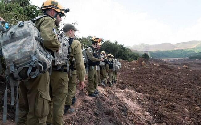 Equipe de militares de Israel desembarcou no Brasil no início da semana para auxiliar nas buscas em Brumadinho