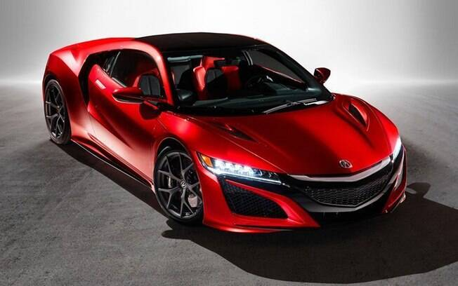 O NSX é outro dos carros híbrdos. Tem 565 cv com os motores elétrico e a gasolina, e vai de 0-100 km em 3 segundos