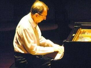 Pianista Eduardo Hazan tem mais de cinco décadas de trajetória