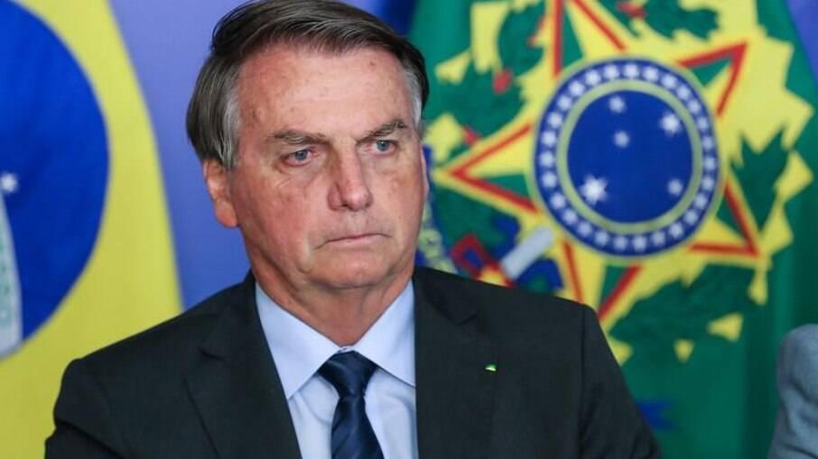 Governo Bolsonaro restringe recursos aos municípios ligados a senadores do AM