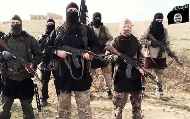 Ministério informou também que o ataque contra o Estado Islâmico destruiu 16 veículos militares e depósito de munição