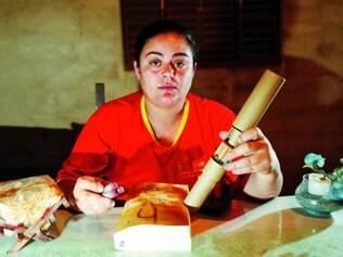 Experiência. Débora de Oliveira, 32, trabalha desde os 18 manipulando explosivos