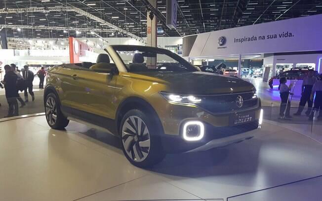 Revelado em Genebra, o Volkswagen T-Cross Breeze adianta parte do design e as dimensões do futuro SUV compacto da marca.