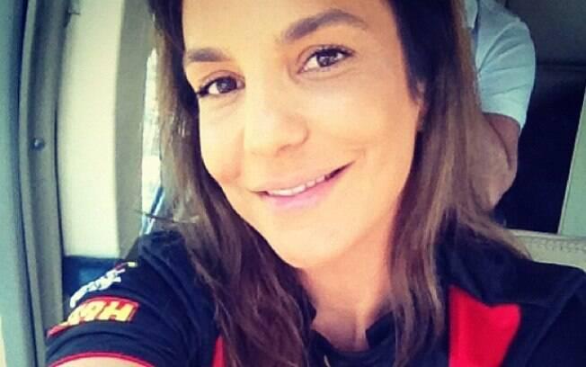 Ivete Sangalo faz homenagem e comemora vitória do seu time de coração