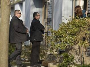 Policiais canadenses chegam à casa de Stephen Solis-Reyes