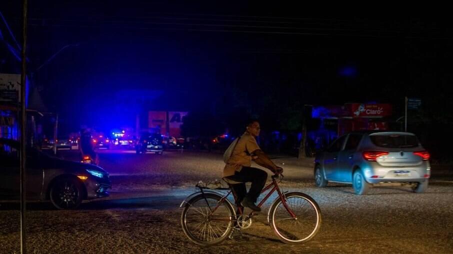Moradores sem luz em Macapá no dia 18 de novembro durante apagão na capital do Amapá