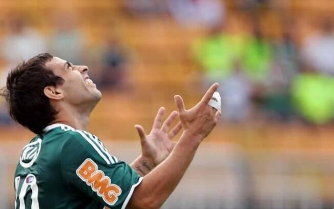 Valdivia ainda não definiu se fica no  Palmeiras