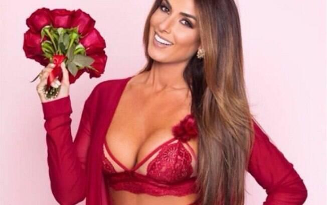 Nicole Bahls posa de lingerie para ensaio de dia dos namorados e seguidores ficam babando