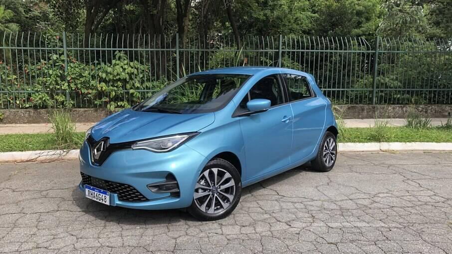 Renault Zoe 2022 ganha nova central multimídia, piloto automático e quase 100 km de autonomia