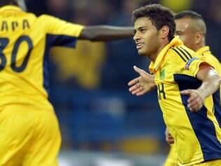 Cleiton Xavier deve acionar a Fifa para se desvincular do Metalist-UKR