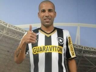 Emerson foi o herói do inédito título corintiano na Libertadores 2012