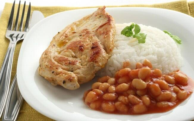 É possível 'emagrecer' até o clássico arroz e feijão