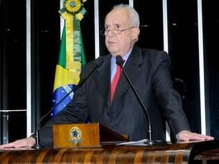 Jarbas Vasconcelos é o nome mais cotado nas rodas da oposição