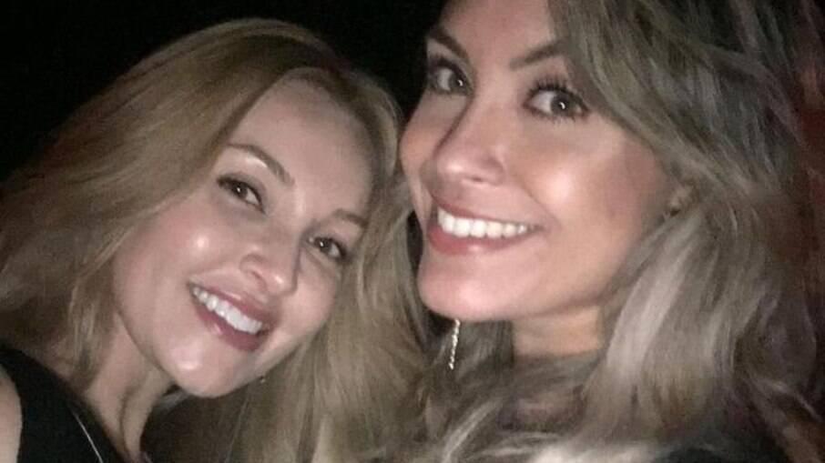 Ellen, amiga de Sarah que fazia parte da equipe de assessoria de redes sociais da sister, deixa função