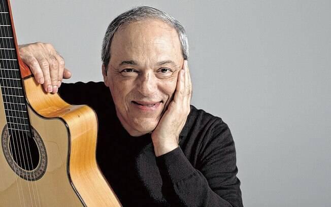 Toquinho canta a música Regra Três,  de Vinícios de Moraes, do album