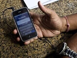 Além dos aplicativos, Facebook ganhará integração profunda com sistema operacional em smartphone próprio