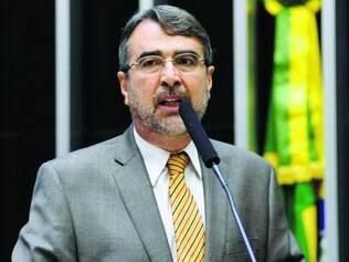 Ex-líder do governo, Henrique Fontana foi citado por executivo
