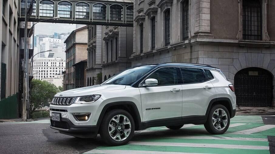 Jeep Compass: é o SUV médio mais vendido, mas está prestes a receber novidades nos próximos meses