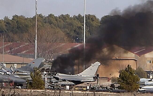 Avião grego se acidentou durante a fase de decolagem
