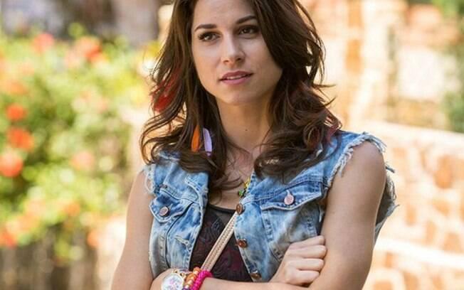 Carmela, personagem de Chandelly Braz em