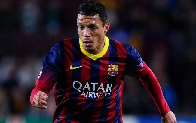 O lateral Adriano, ex-Barcelona, está em negociação com o São Paulo e pode vir para o clube do Morumbi.